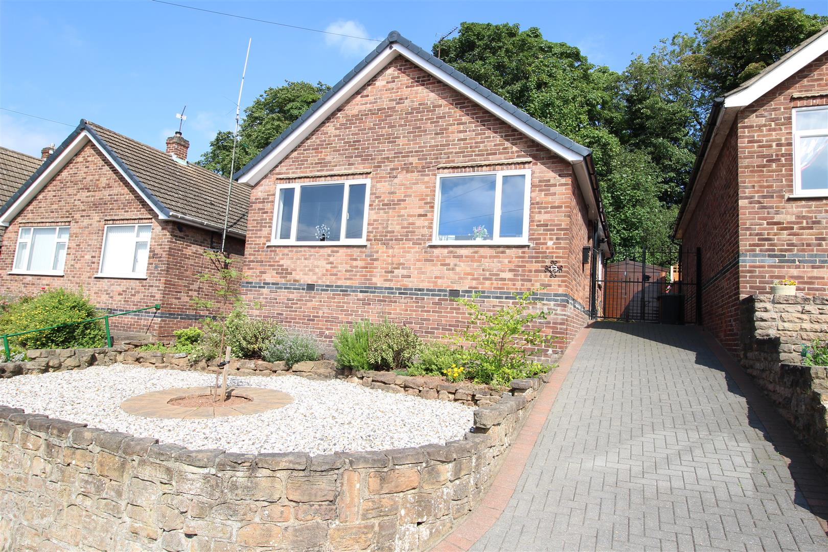 2 Bedrooms Detached Bungalow for sale in Blake Road, Stapleford